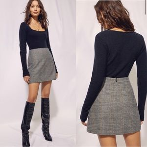 Aritzia Wilfred New Classic Check Mini Skirt Houndstooth Plaid Gray, size 8